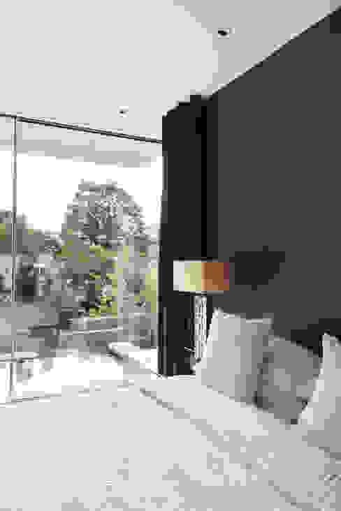 E2 PAVILION ECO HOUSE, BLACKHEATH Camera da letto moderna di E2 Architecture + Interiors Moderno