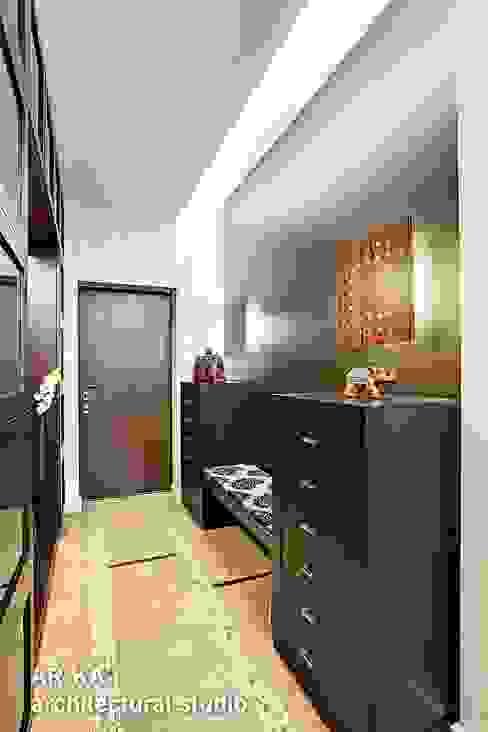 Pasillos, vestíbulos y escaleras modernos de AR-KA architectural studio Moderno