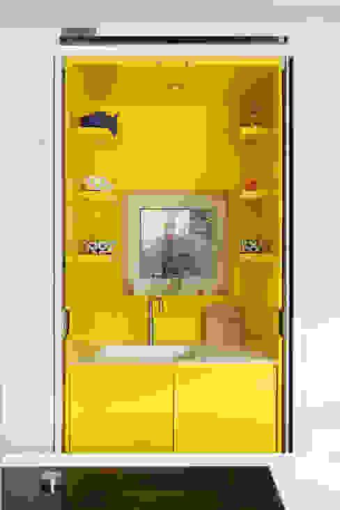 E2 PAVILION ECO HOUSE, BLACKHEATH Cucina moderna di E2 Architecture + Interiors Moderno