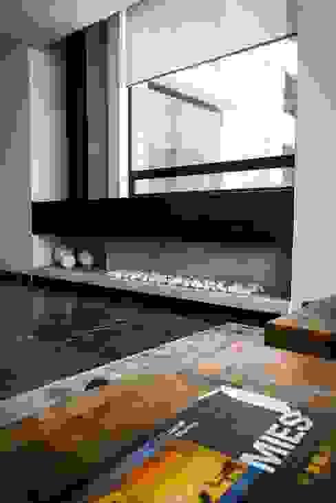 Corridor and hallway by Concepto Taller de Arquitectura, Modern