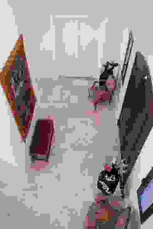 DOBLE ALTURA Pasillos, halls y escaleras rurales de Parrado Arquitectura Rural