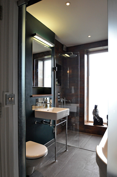 OPPIDANS ROAD, PRIMROSE HILL Modern bathroom by E2 Architecture + Interiors Modern