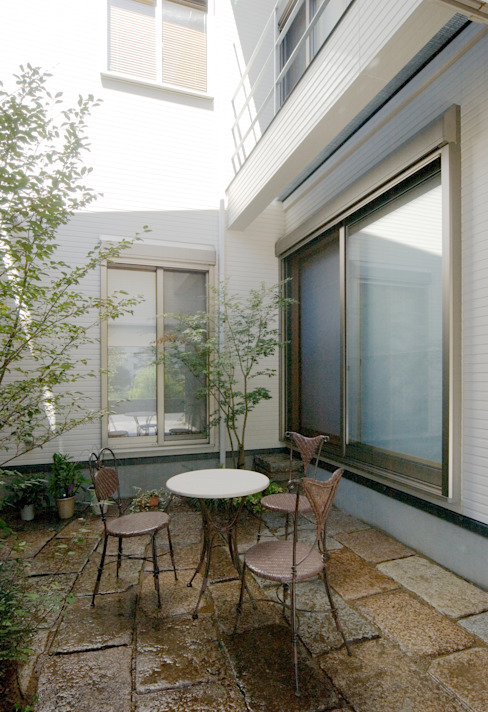 Giardino moderno di 鶴巻デザイン室 Moderno