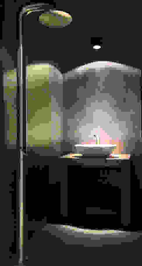 Badkamer showroom Molitli Interieurmakers: modern  door Molitli Interieurmakers, Modern