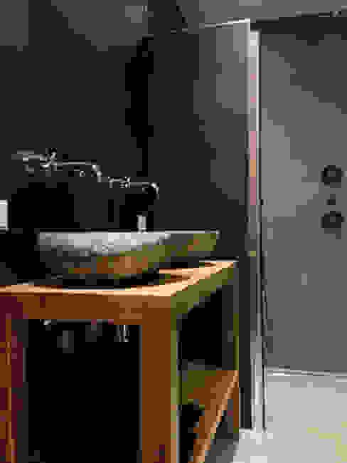 Badkamer betonstuc Molitli Interieurmakers Industriële badkamers