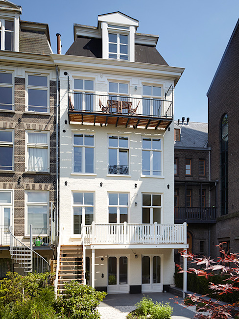 Classic style houses by Lumen Architectuur Classic