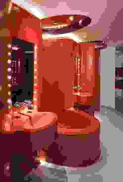 HOTEL PUERTA AMERICA, Madrid, Habitación Ron Arad Baños de estilo moderno de RAFAEL VARGAS FOTOGRAFIA SL Moderno