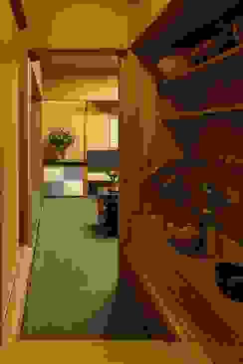 水屋 和風デザインの 多目的室 の 忘蹄庵建築設計室 和風