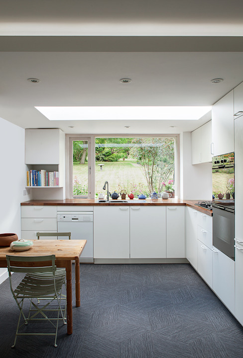 Private House in Epsom, Surrey Francesco Pierazzi Architects Cocinas de estilo moderno Blanco
