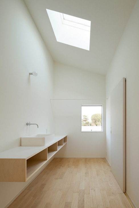 市原忍建築設計事務所 / Shinobu Ichihara Architects Modern style bathrooms