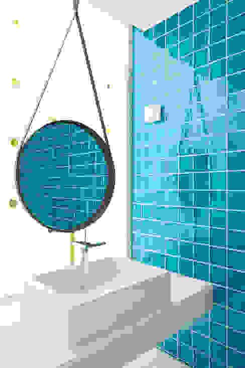 Mediterranean style bathrooms by nesso Mediterranean