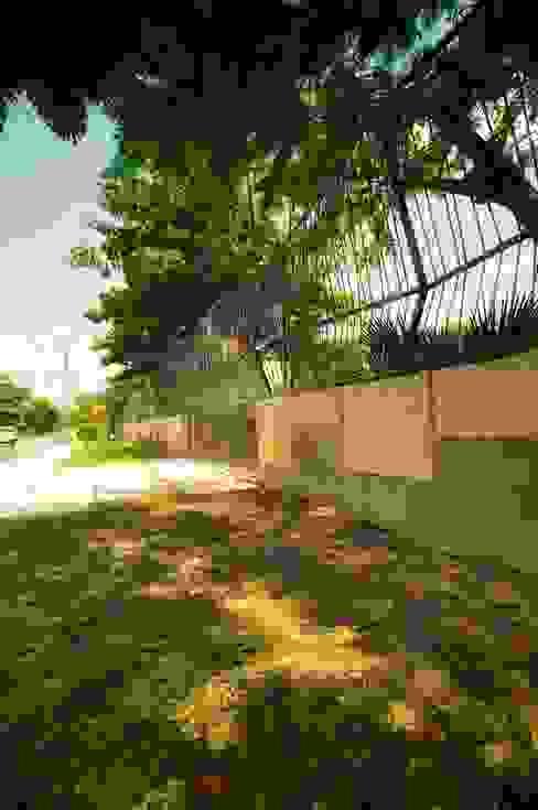Barda, entrada principal Casas de estilo rústico de sanzpont [arquitectura] Rústico