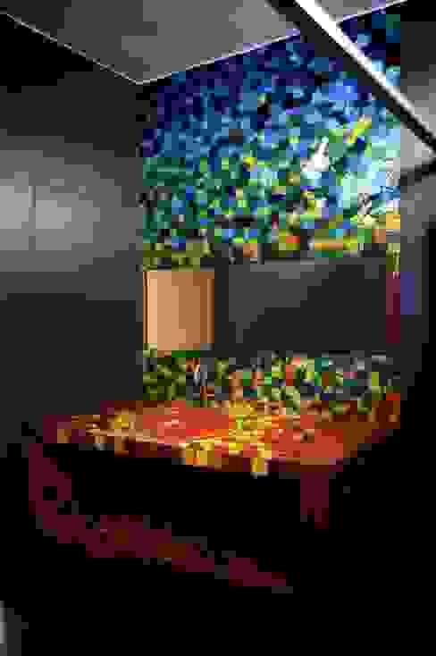 現代浴室設計點子、靈感&圖片 根據 sanzpont [arquitectura] 現代風