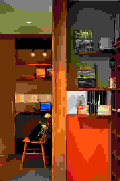 日並郷の家 モダンデザインの 多目的室 の 株式会社アトリエカレラ モダン