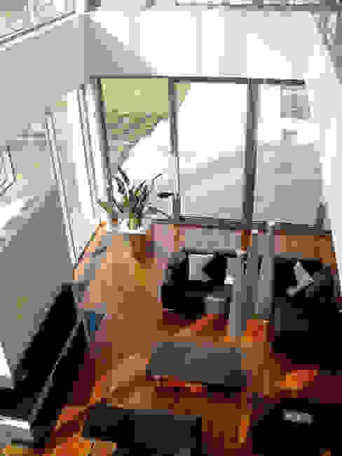 Rezydencja Minimalistyczny salon od MAŁECCY biuro projektowe Minimalistyczny