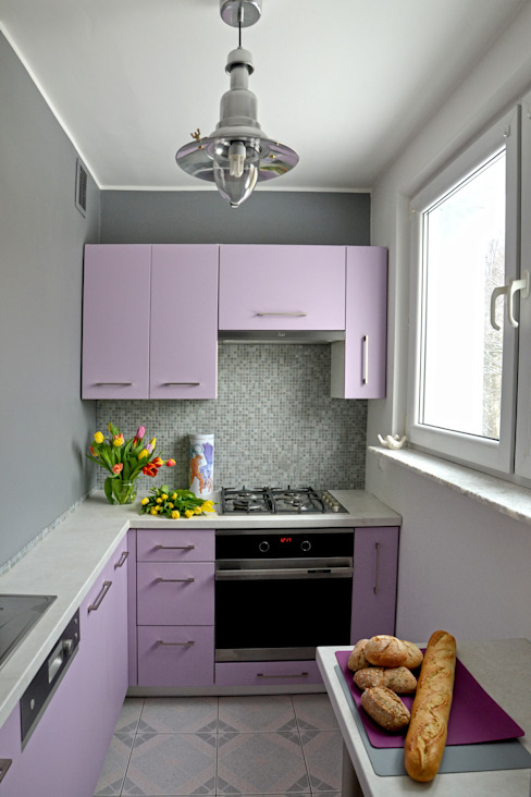 DoMilimetra Modern style kitchen Purple/Violet