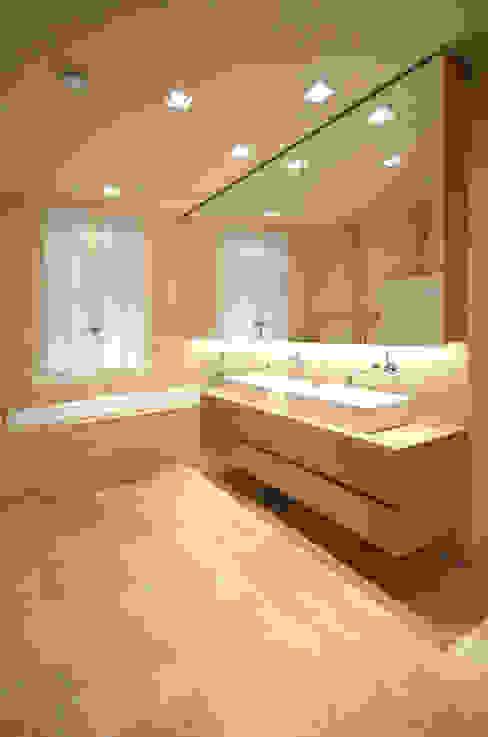 Badezimmer OG Moderne Badezimmer von Dr. Schmitz-Riol Planungsgesellschaft mbH Modern