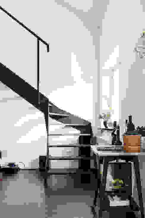 Podgórze, Kraków Eklektyczny korytarz, przedpokój i schody od Odwzorowanie Eklektyczny
