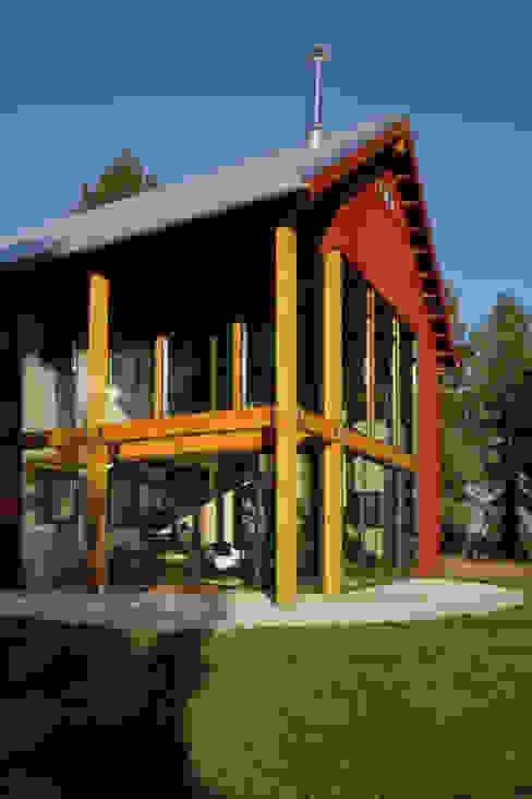 Palouse Residence Modern home by Uptic Studios Modern