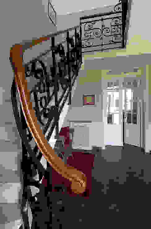 Maisons classiques par Estudio Sespede Arquitectos Classique