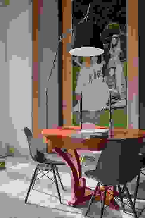 Palácio Iglésias Salas de estar modernas por Spaceroom - Interior Design Moderno