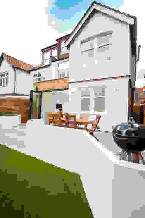Streatham, SW2 Modern houses by Build Team Modern