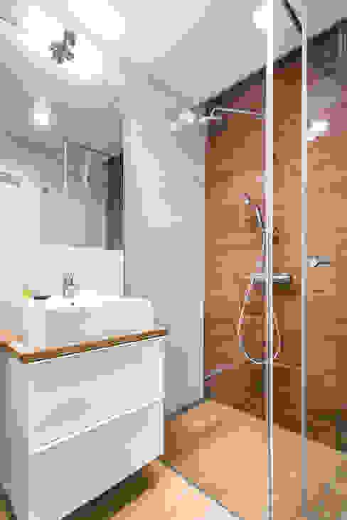 Nadwiślańska 11 - 37m2 Nowoczesna łazienka od UNQO Nowoczesny