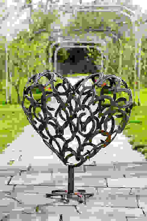 Herz 3D aus Hufeisen HufeisenGlück GartenAccessoires und Dekoration