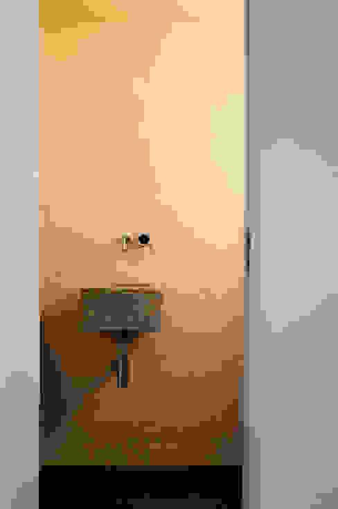 Casa em Torres Vedras Casas de banho minimalistas por Atelier Central Arquitectos Minimalista