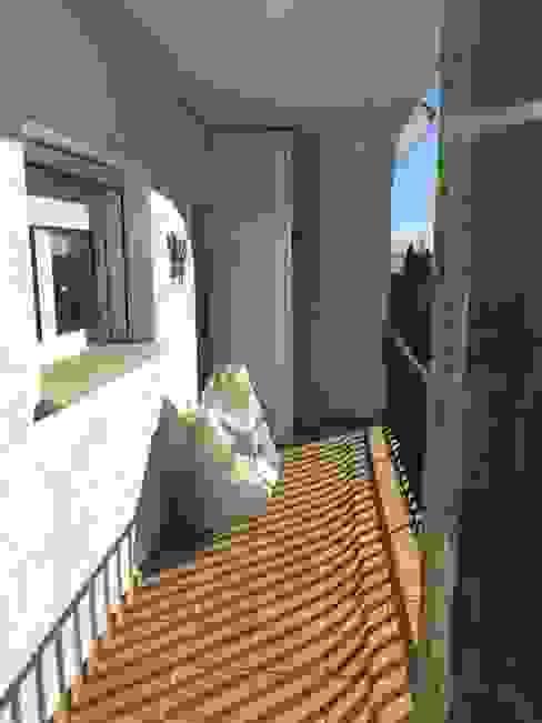 ANTES Balcon desaprovechado de RENOVA INTERIORS Moderno