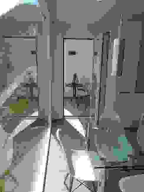 Despues, Balcon integrado en la cocina de RENOVA INTERIORS Moderno