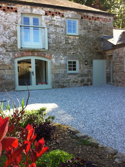 Barns Conversion, Cosawes Barton, Ponsanooth Rustic style hotels by Lilly Lewarne Practice Rustic