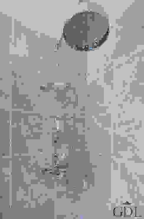 The Broadway, SW19 - Extension & Bathroom Renovation de Grand Design London Ltd Clásico
