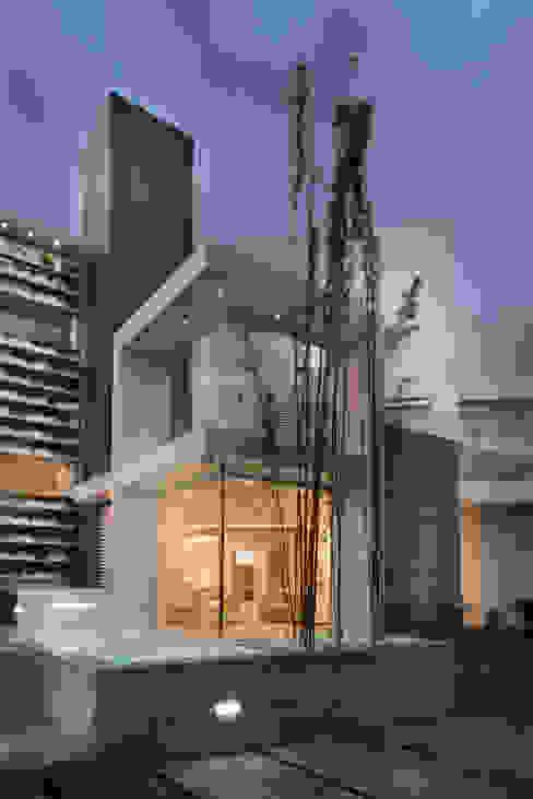 Una villa Case moderne di Mario Ferrara Moderno
