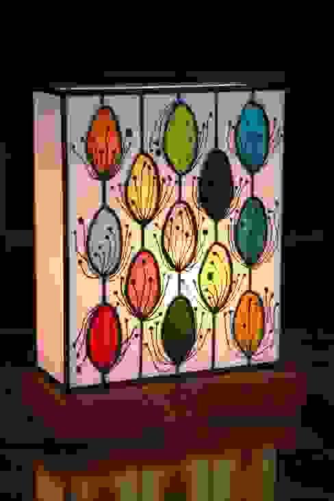 POLLEN - Lampe en vitrail Tiffany par Lumière et Vitrail Moderne