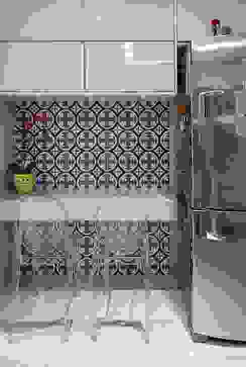 Arina Araujo Arquitetura e Interiores Dapur Modern Blue