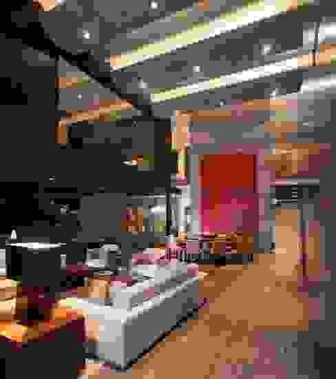 Casa CH Salones modernos de GLR Arquitectos Moderno