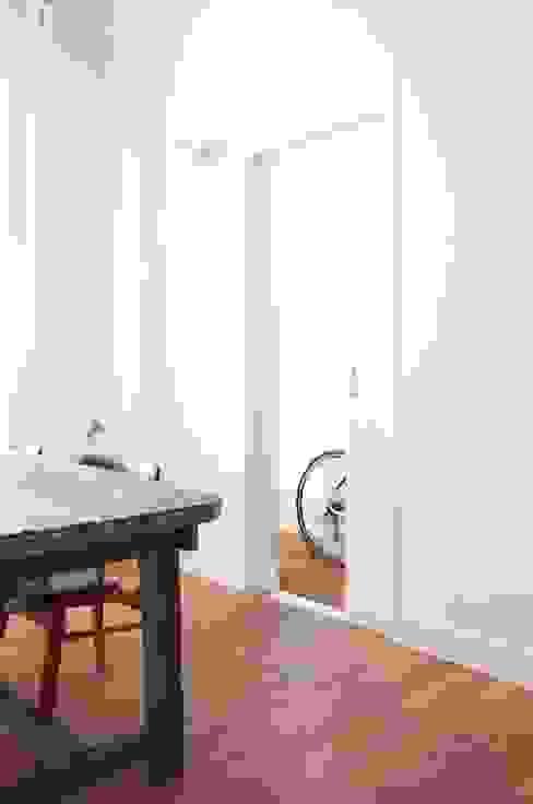 Modern Living Room by ontwerpplek, interieurarchitectuur Modern