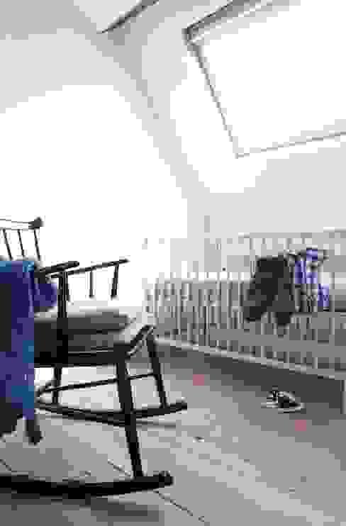 Chambre d'enfant moderne par ontwerpplek, interieurarchitectuur Moderne