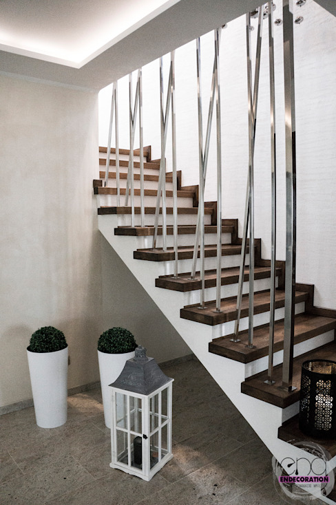 Modern Corridor, Hallway and Staircase by EnDecoration Modern