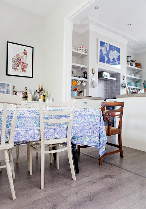 Kitchen Cocinas de estilo clásico de William Gaze Ltd Clásico