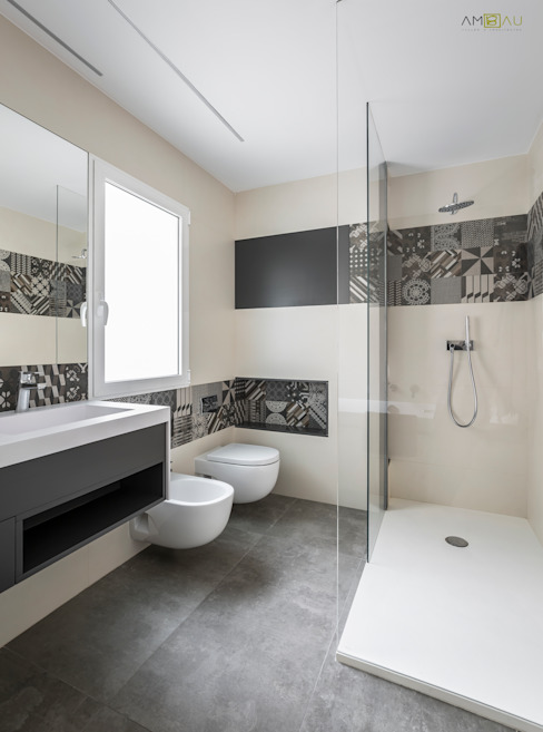 Bathroom by amBau Gestion y Proyectos, Minimalist