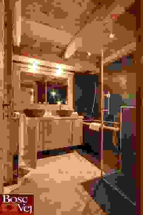 Baños de estilo  de Bosc Vej s.r.l., Rústico