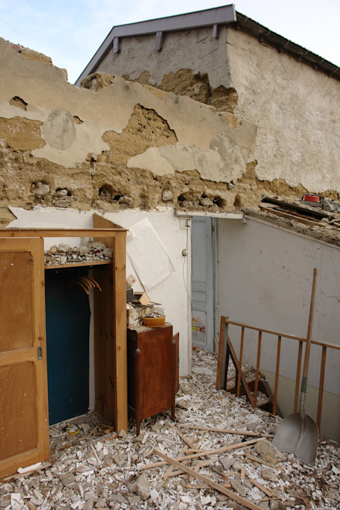 murs de pizé et galets mélangés, machefer et moellons pour la partie la plus récente par LCDS Rural