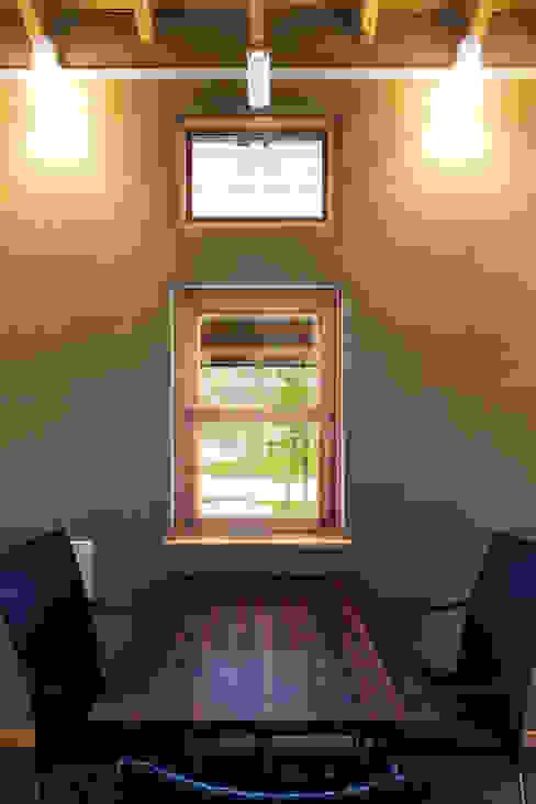 ひなた茶屋~雑木林の小さなカフェ~ オリジナルな 窓&ドア の 志賀建築設計室 オリジナル