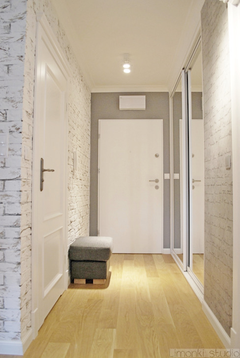 Classic style corridor, hallway and stairs by Limonki Studio Wojciech Siudowski Classic