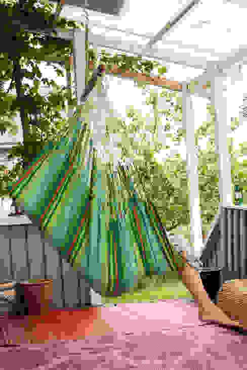 Iguana Jungle Cotton Hanging Chair de Emilyhannah Ltd Escandinavo