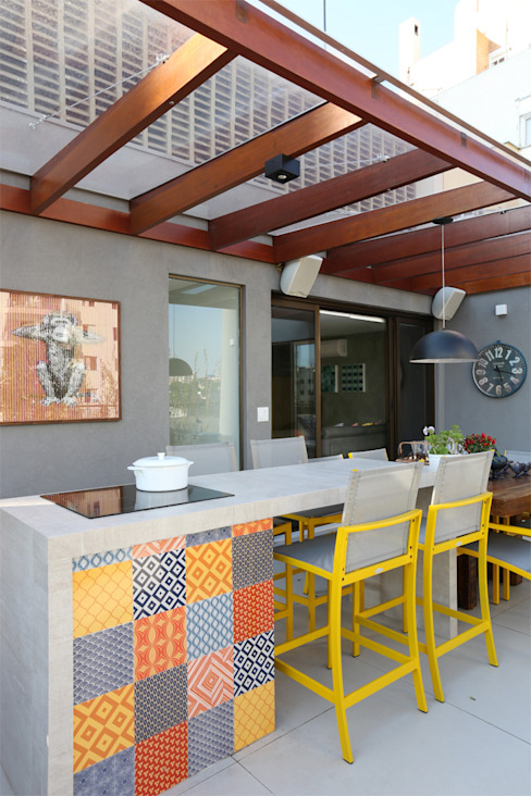 Terrace by MANDRIL ARQUITETURA E INTERIORES, Modern