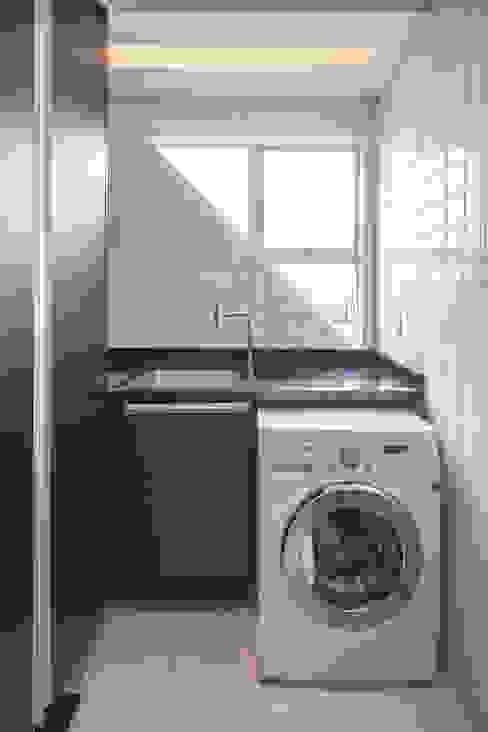 303 Apartment by Estúdio Barino | Interiores Modern