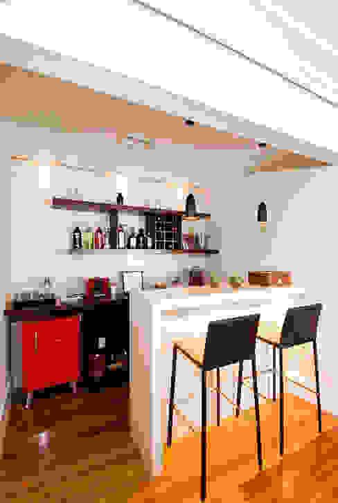 Cantina moderna di Cavalcante Ferraz Arquitetura / Design Moderno